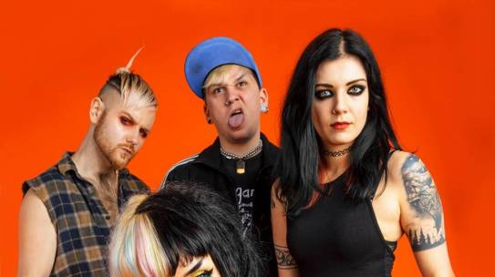 INTERVIEW: HANDS OFF GRETEL AT IOW IN ASSOCIATION WITH MOPHIE