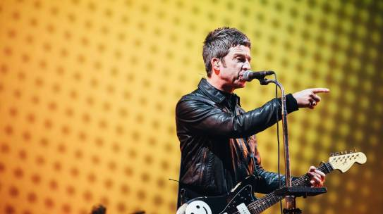 NOEL GALLAGHER SPEAKS TO ABSOLUTE RADIO AT ISLE OF WIGHT