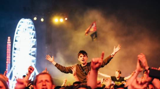 NOEL GALLAGHER'S HIGH FLYING BIRDS CLOSE FIRST NIGHT OF ISLE OF WIGHT FESTIVAL 2019