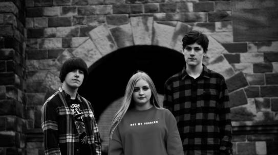 INTRODUCING THE BAND [6] – CRYING BEAUTY QUEENS